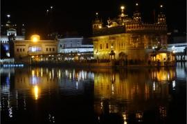 Inde Amritsar temple d'or de nuit