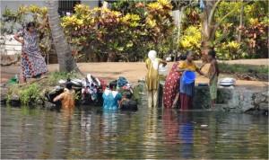 Inde Backwaters villageois bateau touristique
