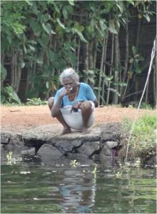 Inde Backwaters villageois houseboat ou bateau touristique2