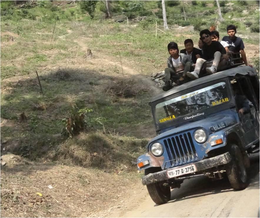 Sympa les jeeps du Sikkim !