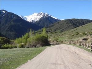 Kirghizistan Altyn Arashan chemin 1
