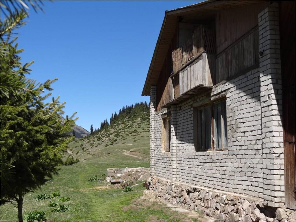 Kirghizistan Altyn Arashan maison
