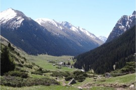 Kirghizistan Altyn Arashan village